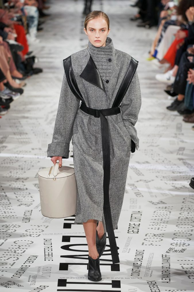 fall-winter-fashion-2020-coat-Stella-McCartney-675x1013 +80 Fall/Winter Fashion Trends for a Stunning 2020 Wardrobe