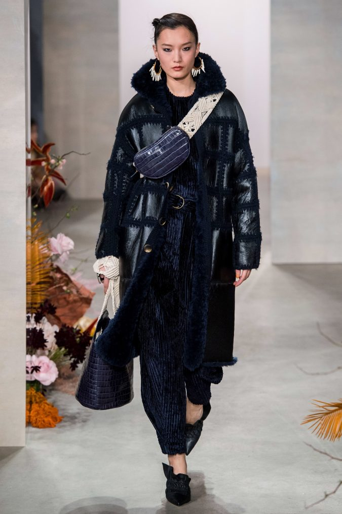 fall-winter-fashion-2020-corduroy-jumpsuit-leather-coat-Ulla-Johnson-675x1013 90 Fall/Winter Fashion Ideas for a Perfect Combination of Vintage and Modern in 2020