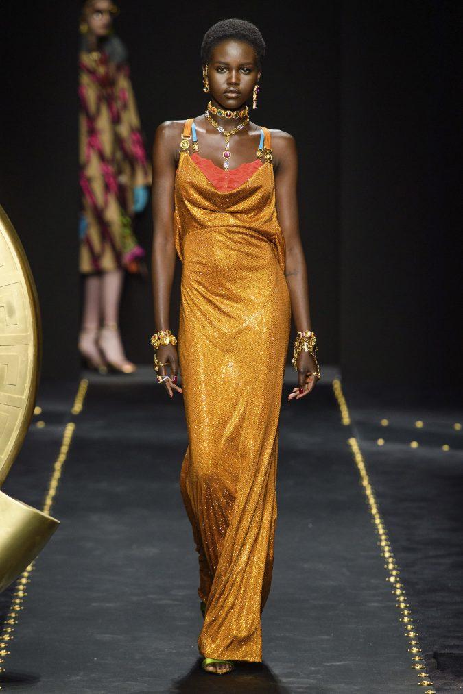 fall-winter-fashion-2020-disco-dress-versace-675x1013 +80 Fall/Winter Fashion Trends for a Stunning 2020 Wardrobe