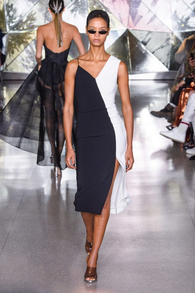 fall-winter-fashion-2020-dress-Christian-Siriano-2-675x1013 +20 Fall Fashion Trends of 2020 for the Fans of Unusual Shoulders and Sleeves