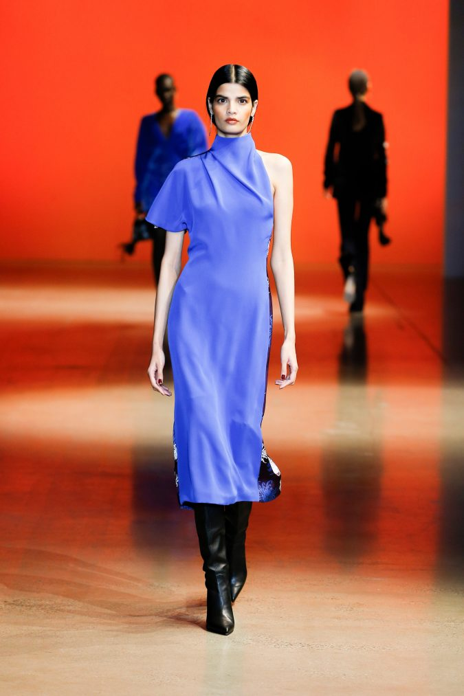 fall-winter-fashion-2020-dress-Cushnie-675x1013 +20 Fall Fashion Trends of 2020 for the Fans of Unusual Shoulders and Sleeves