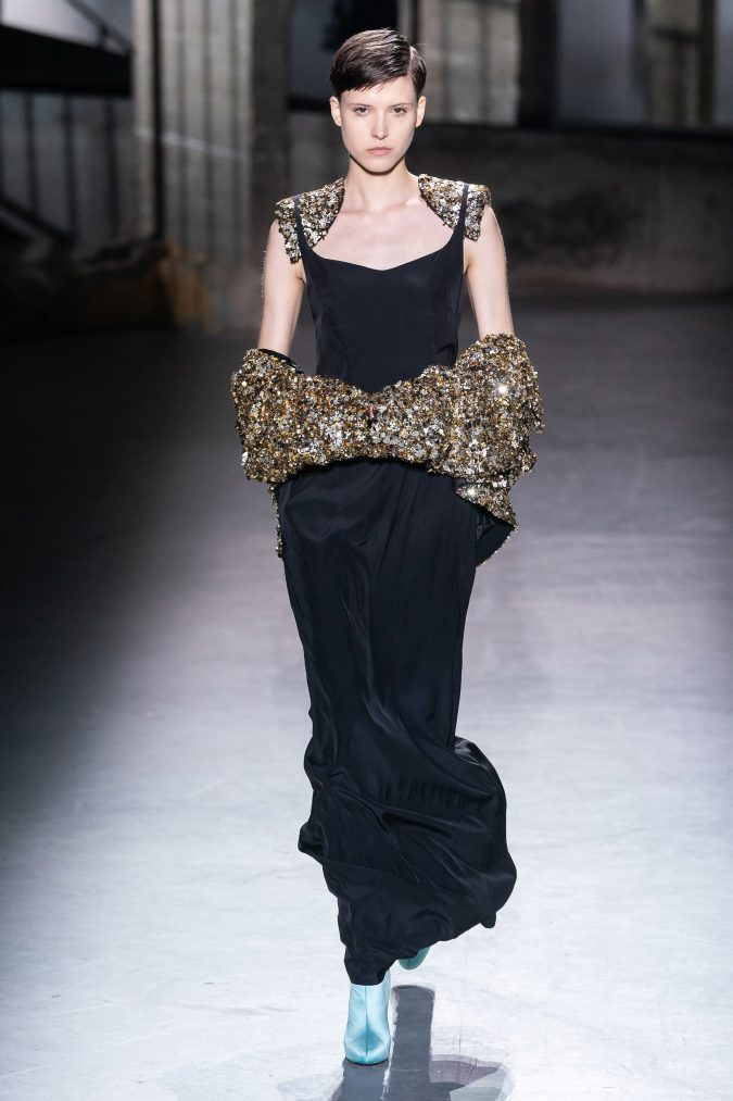 fall-winter-fashion-2020-dress-Dries-Van-Noten-675x1013 +20 Fall Fashion Trends of 2020 for the Fans of Unusual Shoulders and Sleeves
