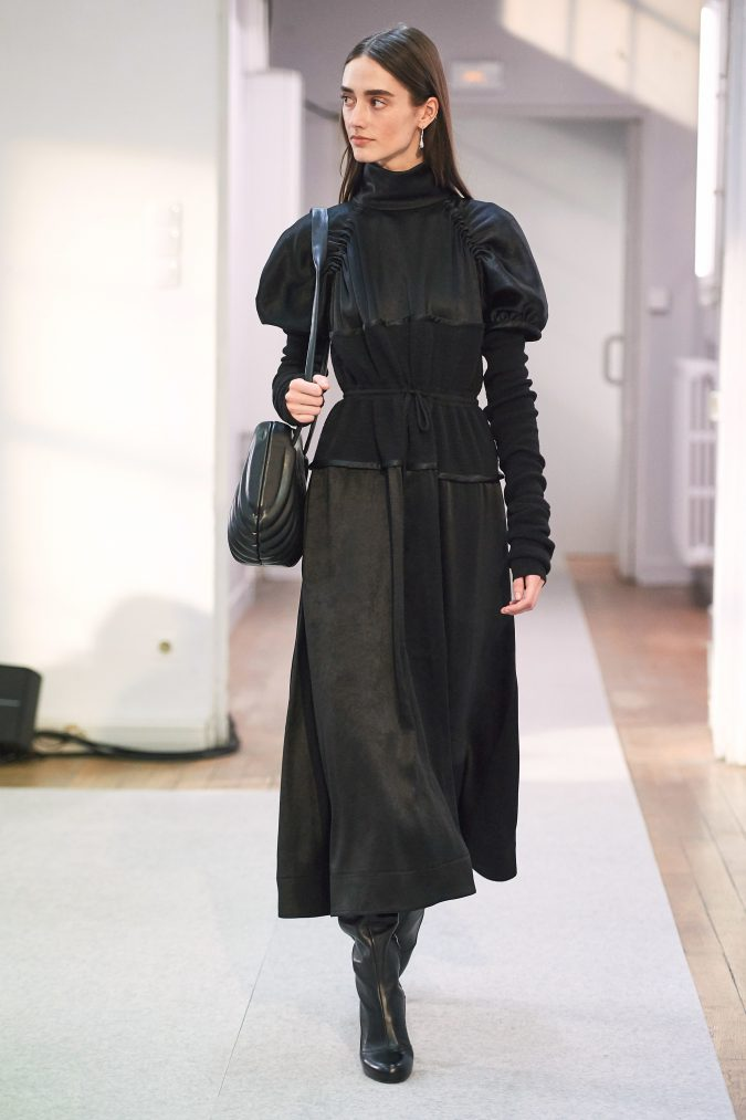 fall-winter-fashion-2020-dress-Lemaire-675x1013 +20 Fall Fashion Trends of 2020 for the Fans of Unusual Shoulders and Sleeves
