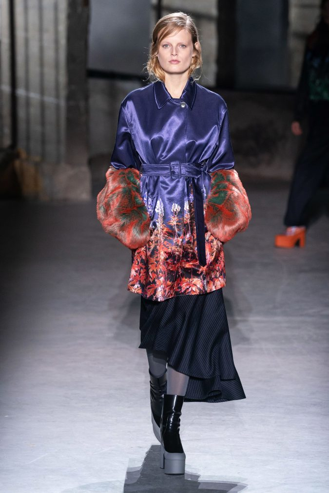 fall-winter-fashion-2020-dress-layered-sleeves-Dries-Van-Noten-675x1013 +20 Fall Fashion Trends of 2020 for the Fans of Unusual Shoulders and Sleeves