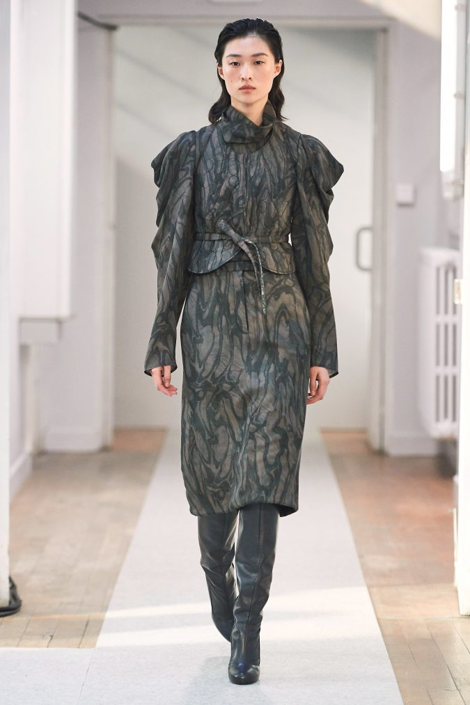 fall-winter-fashion-2020-dress-leg-of-mutton-sleeves-Lemaire-675x1013 90 Fall/Winter Fashion Ideas for a Perfect Combination of Vintage and Modern in 2020