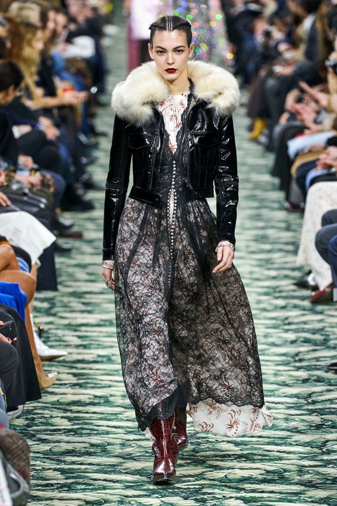 fall-winter-fashion-2020-faux-fur-Paco-Rabanne-675x1013 90 Fall/Winter Fashion Ideas for a Perfect Combination of Vintage and Modern in 2020