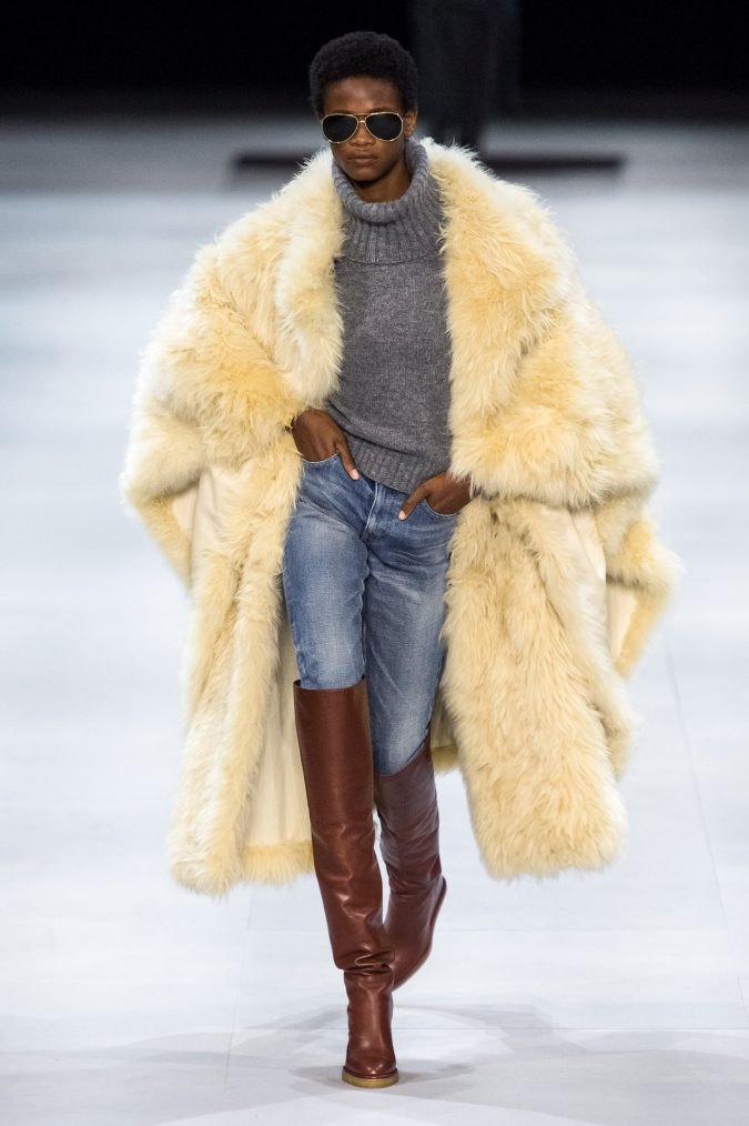fall-winter-fashion-2020-faux-fur-celine-675x1014 90 Fall/Winter Fashion Ideas for a Perfect Combination of Vintage and Modern in 2020