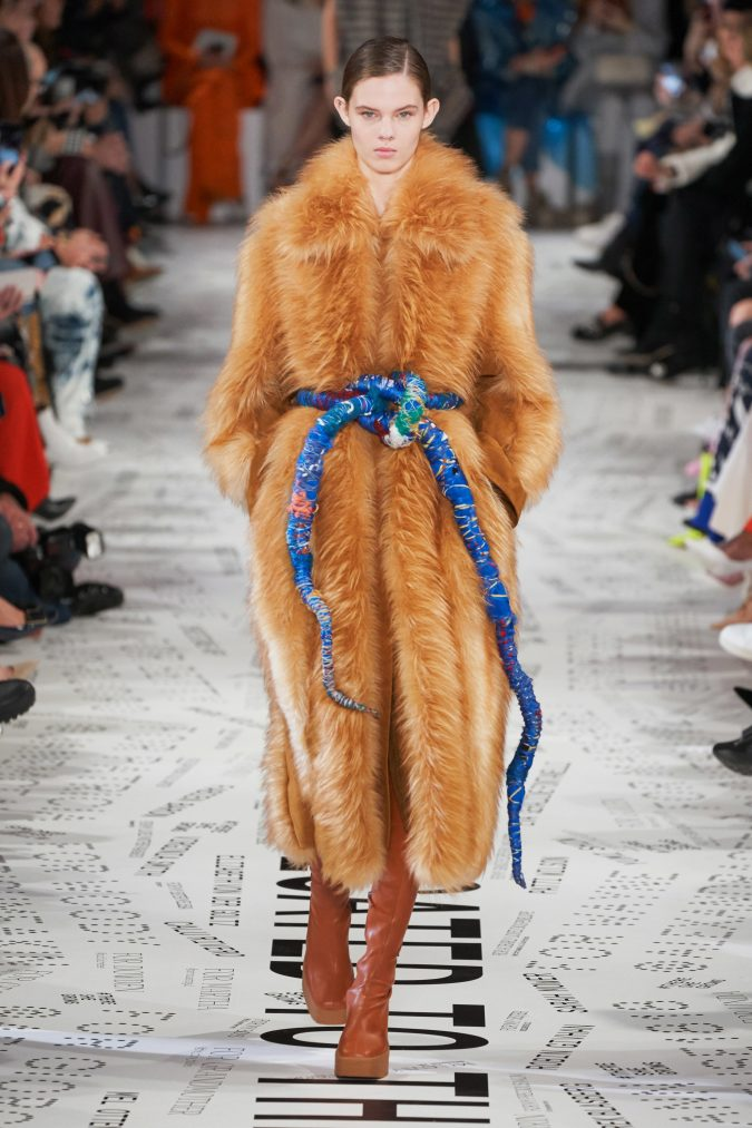 fall-winter-fashion-2020-faux-fur-coat-Stella-McCartney-675x1013 90 Fall/Winter Fashion Ideas for a Perfect Combination of Vintage and Modern in 2020