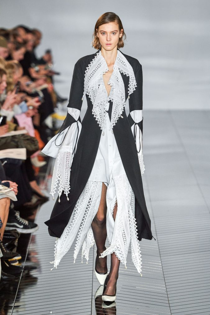 fall-winter-fashion-2020-jacket-bell-sleeves-Loewe-675x1013 +20 Fall Fashion Trends of 2020 for the Fans of Unusual Shoulders and Sleeves