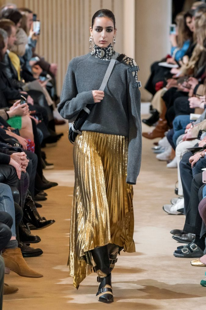 fall-winter-fashion-2020-knitted-sweater-pleated-skirt-Altuzarra-675x1013 +80 Fall/Winter Fashion Trends for a Stunning 2020 Wardrobe