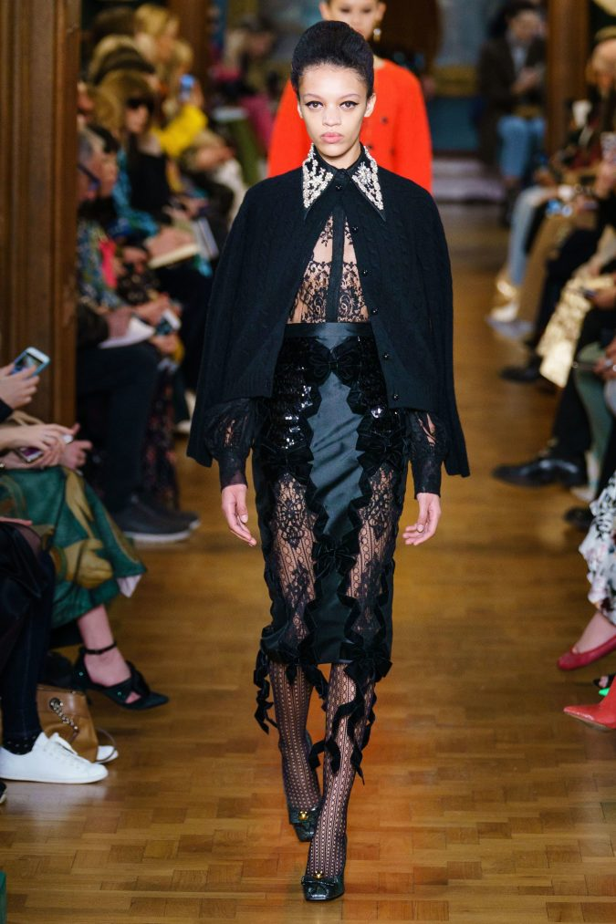 fall-winter-fashion-2020-lace-shirt-skirt-knitted-jacket-Erdem-675x1013 +20 Fall Fashion Trends of 2020 for the Fans of Unusual Shoulders and Sleeves
