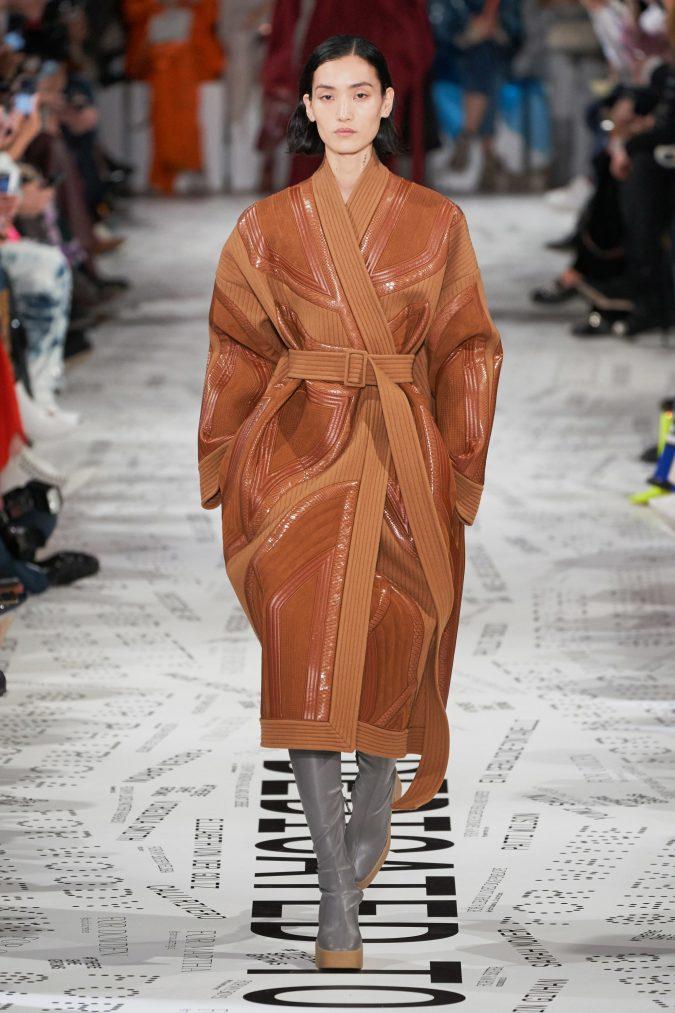 fall-winter-fashion-2020-leather-coat-Stella-McCartney-675x1013 +80 Fall/Winter Fashion Trends for a Stunning 2021 Wardrobe