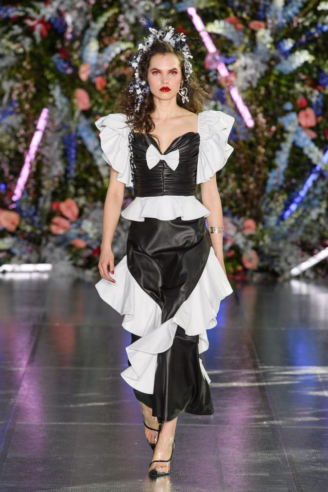 fall-winter-fashion-2020-leather-ruffled-dress-Rodarte-675x1013 90 Fall/Winter Fashion Ideas for a Perfect Combination of Vintage and Modern in 2020