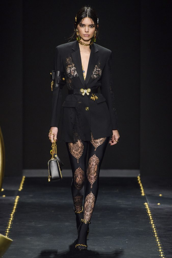 fall-winter-fashion-2020-leggings-long-jacket-versace-675x1013 60+ Retro Fashion Designs of Fall/Winter 2020 Inspired by the 80s and 90s