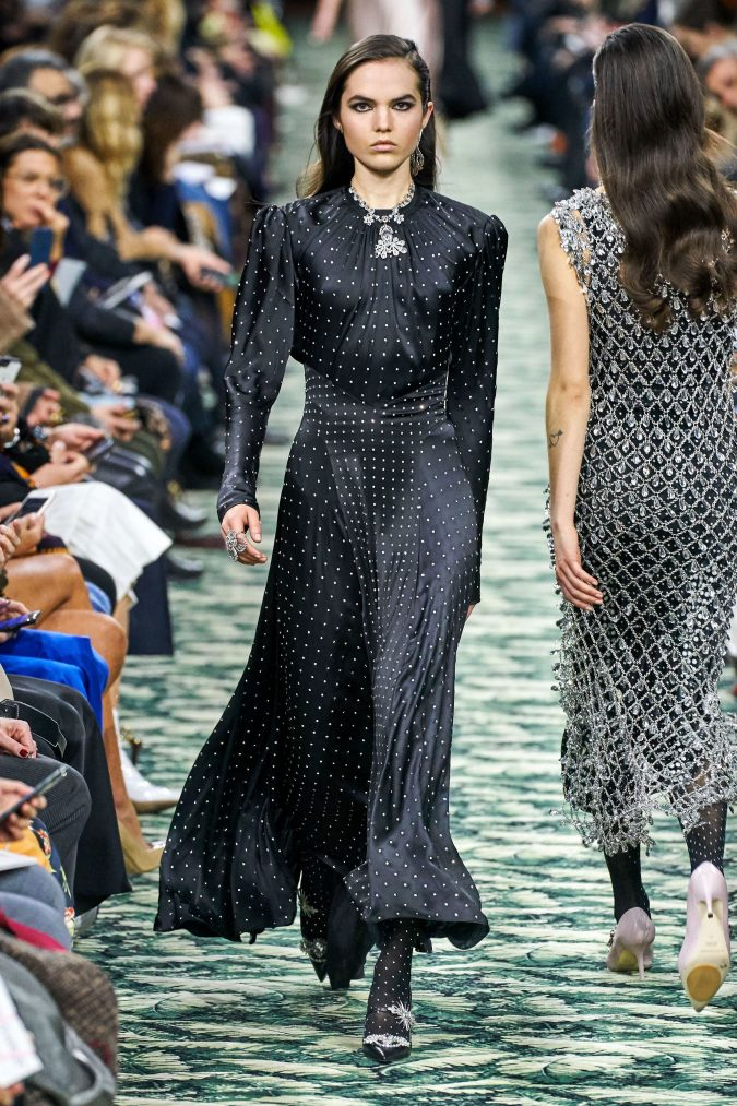 fall-winter-fashion-2020-maxi-dress-Paco-Rabanne-675x1013 90 Fall/Winter Fashion Ideas for a Perfect Combination of Vintage and Modern in 2020
