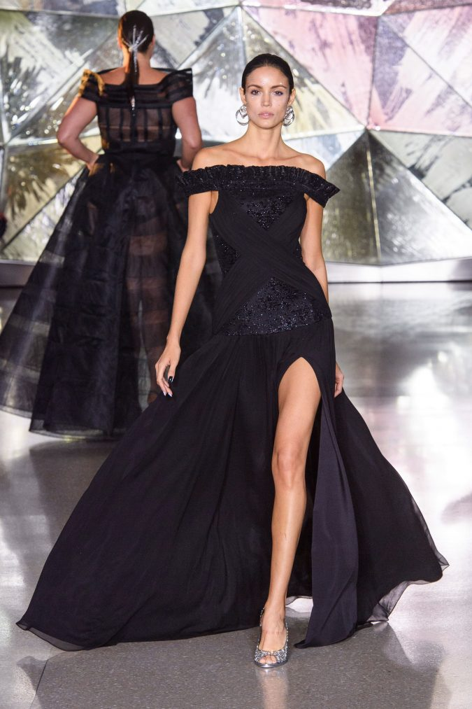 fall-winter-fashion-2020-off-shoulder-dress-Christian-Siriano-675x1013 +20 Fall Fashion Trends of 2020 for the Fans of Unusual Shoulders and Sleeves