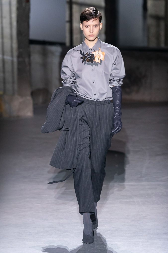 fall-winter-fashion-2020-pantsuit-Dries-Van-Noten-2-675x1013 +20 Fall Fashion Trends of 2020 for the Fans of Unusual Shoulders and Sleeves