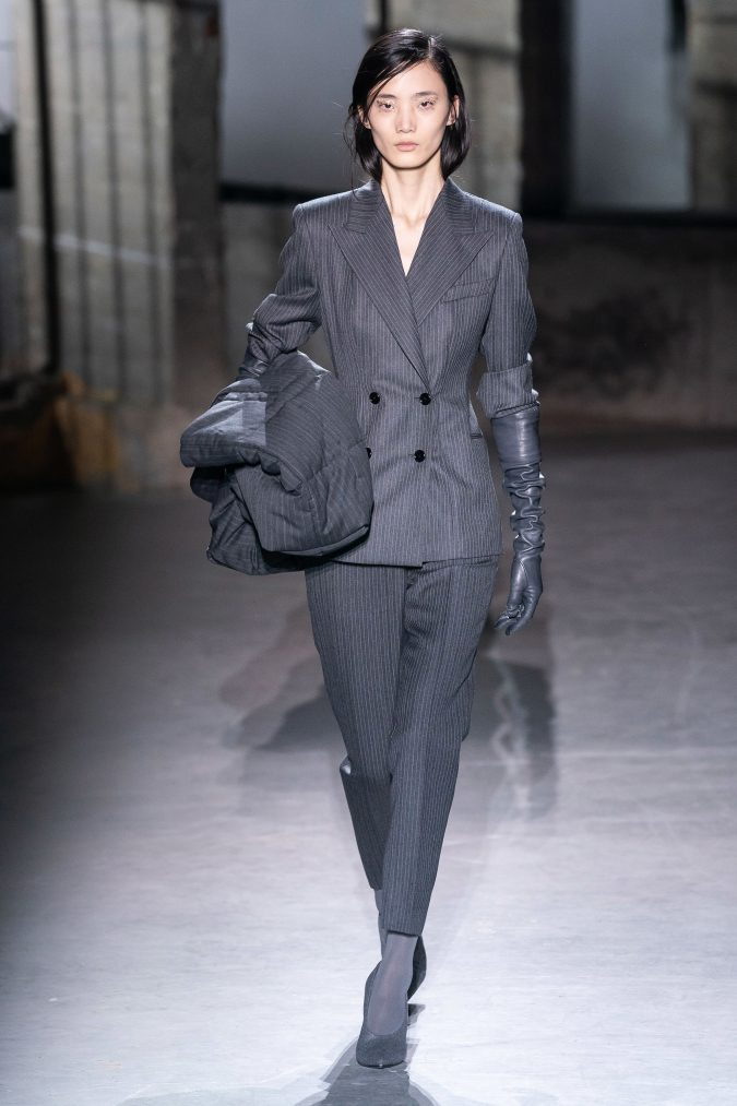 fall-winter-fashion-2020-pantsuit-Dries-Van-Noten-675x1013 +20 Fall Fashion Trends of 2020 for the Fans of Unusual Shoulders and Sleeves