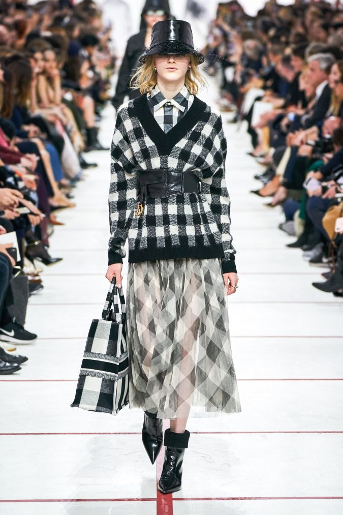 fall-winter-fashion-2020-plaids-Dior-675x1013 60+ Retro Fashion Designs of Fall/Winter 2020 Inspired by the 80s and 90s