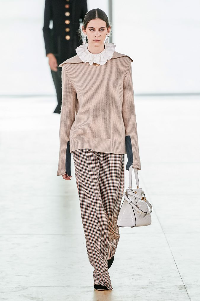 fall-winter-fashion-2020-ruffled-collar-knitted-top-checked-pants-Tory-Burch-675x1013 90 Fall/Winter Fashion Ideas for a Perfect Combination of Vintage and Modern in 2020