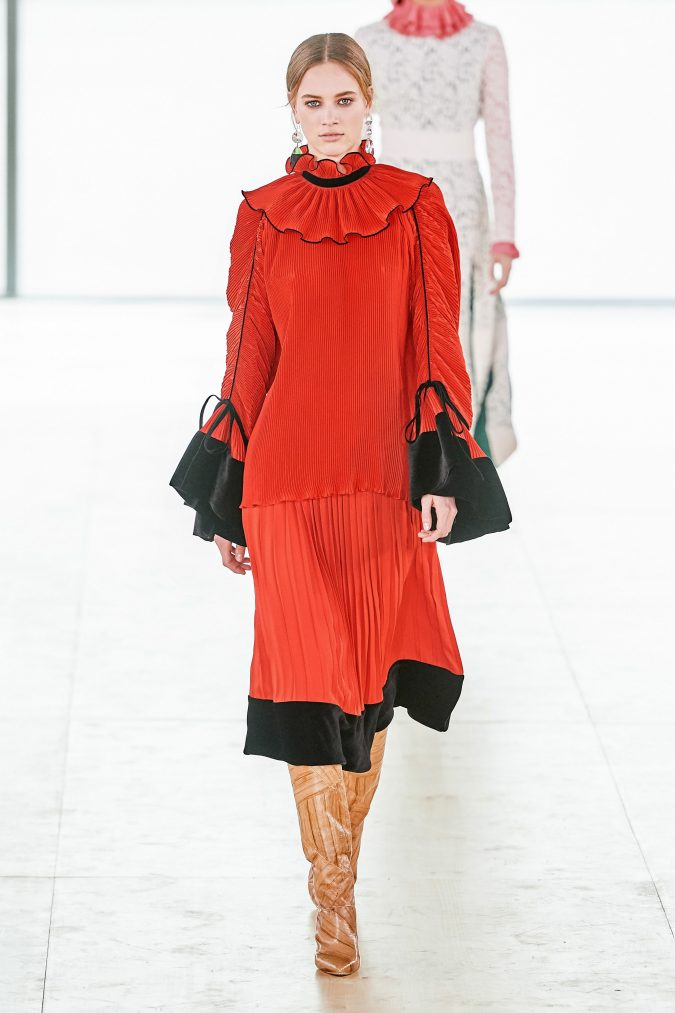 fall-winter-fashion-2020-ruffled-collar-pleated-dress-Tory-Burch-675x1013 90 Fall/Winter Fashion Ideas for a Perfect Combination of Vintage and Modern in 2020