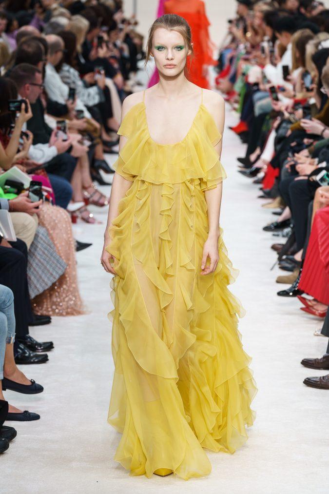 fall-winter-fashion-2020-ruffled-dress-Valentino-675x1013 +80 Fall/Winter Fashion Trends for a Stunning 2020 Wardrobe
