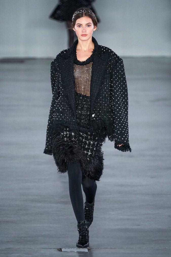 fall-winter-fashion-2020-see-through-top-Balmain-675x1013 +80 Fall/Winter Fashion Trends for a Stunning 2021 Wardrobe