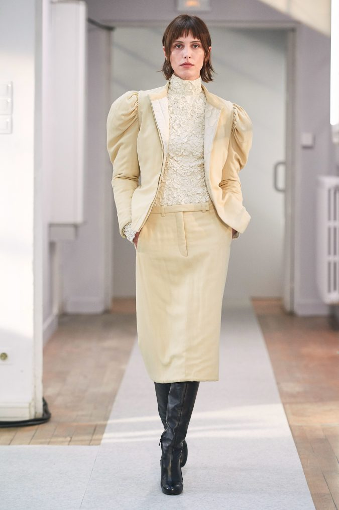 fall-winter-fashion-2020-skirt-suit-leg-of-mutton-sleeves-Lemaire-675x1013 90 Fall/Winter Fashion Ideas for a Perfect Combination of Vintage and Modern in 2020