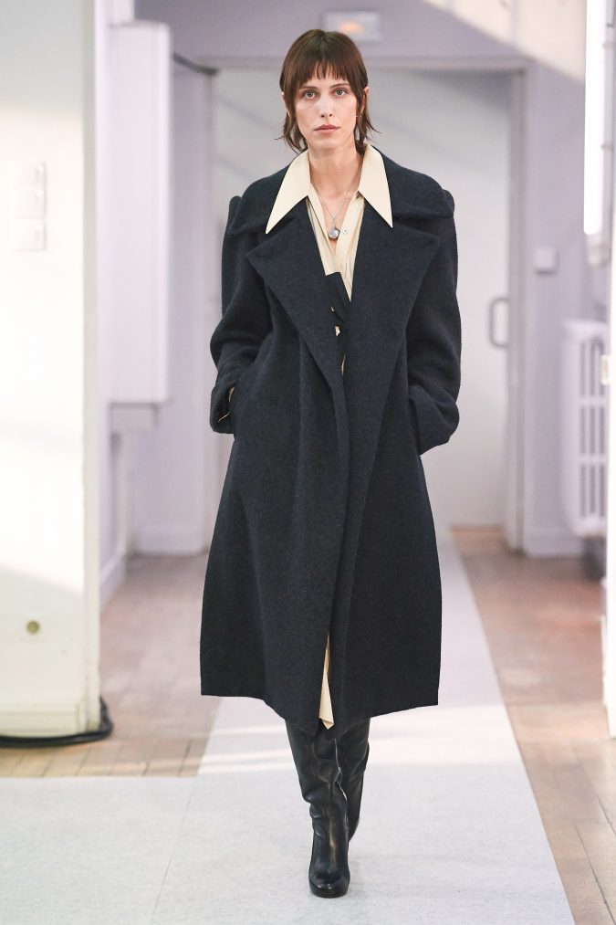 fall-winter-fashion-2020-tweed-coat-Lemaire-675x1013 90 Fall/Winter Fashion Ideas for a Perfect Combination of Vintage and Modern in 2020