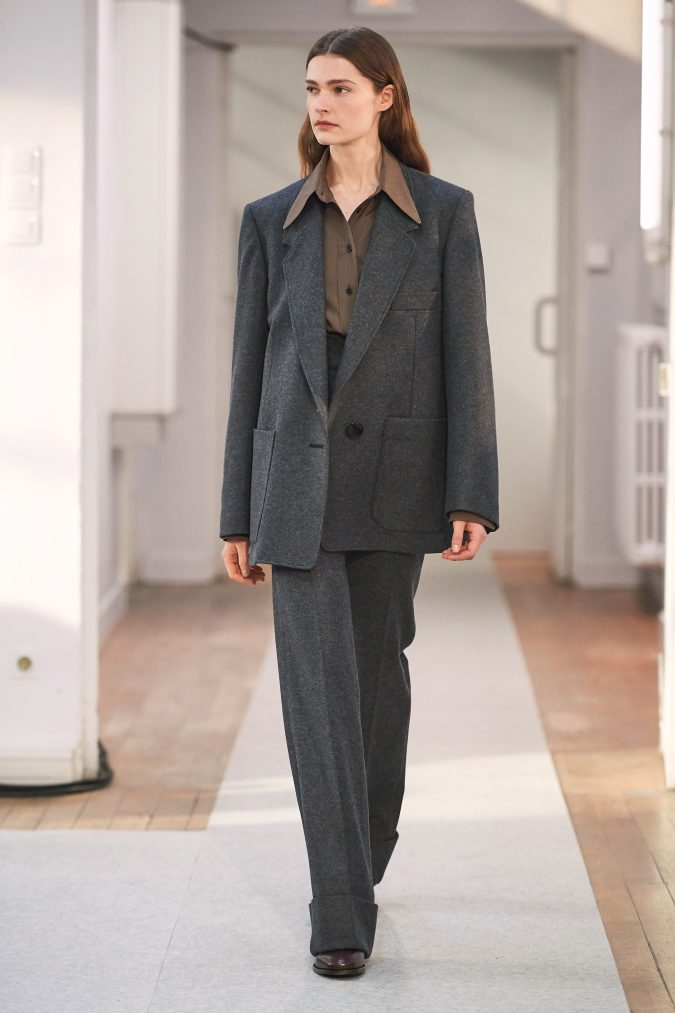 fall-winter-fashion-2020-tweed-pantsuit-Lemaire-675x1013 90 Fall/Winter Fashion Ideas for a Perfect Combination of Vintage and Modern in 2020