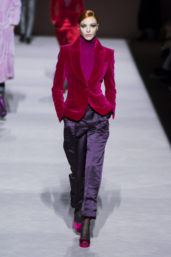 fall-winter-fashion-2020-velvet-coat-Tom-Ford-675x1013 +80 Fall/Winter Fashion Trends for a Stunning 2020 Wardrobe