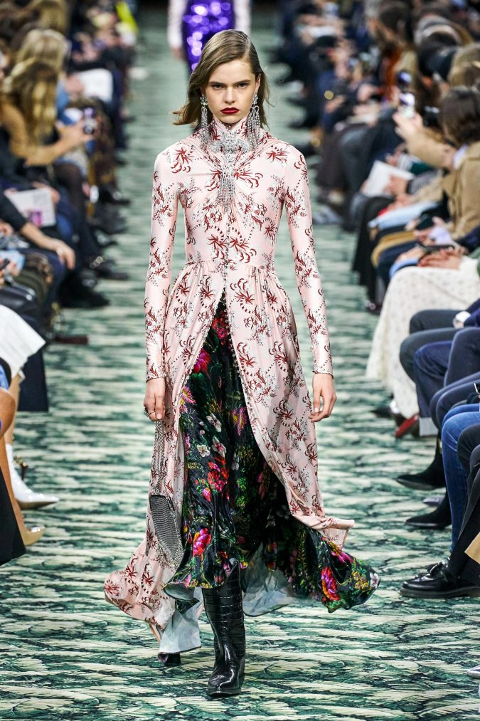 fall-winter-fashion-2020-vintage-maxi-dress-Paco-Rabanne-675x1013 90 Fall/Winter Fashion Ideas for a Perfect Combination of Vintage and Modern in 2020