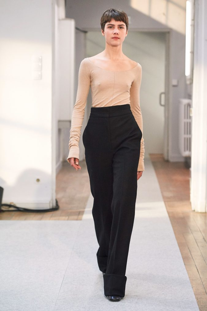 fall-winter-fashion-2020-wide-leg-pants-Lemaire-675x1013 +20 Fall Fashion Trends of 2020 for the Fans of Unusual Shoulders and Sleeves