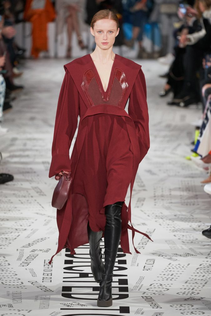 fall-winter-fashion-2020-wine-red-dress-stella-mccartney-675x1013 90 Fall/Winter Fashion Ideas for a Perfect Combination of Vintage and Modern in 2020