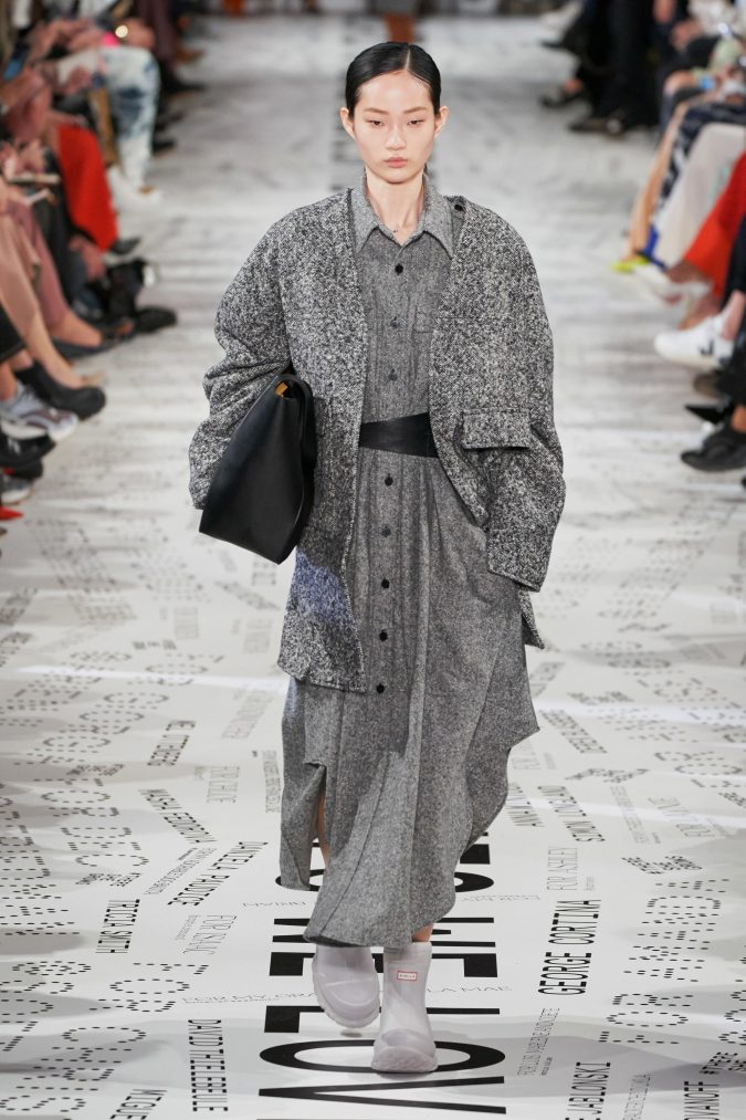 fall-winter-fashion-tweed-dress-and-jacket-Stella-McCartney-675x1013 90 Fall/Winter Fashion Ideas for a Perfect Combination of Vintage and Modern in 2020