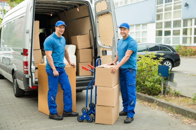 moving-helpers-moving-truck-675x448 Top Tips for Your Next Moving Truck Hire