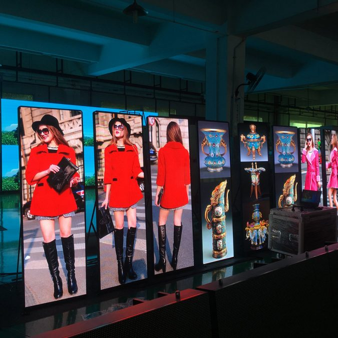 store-Mirror-led-screen-675x675 5 Ways to Increase Your Store's Foot Traffic