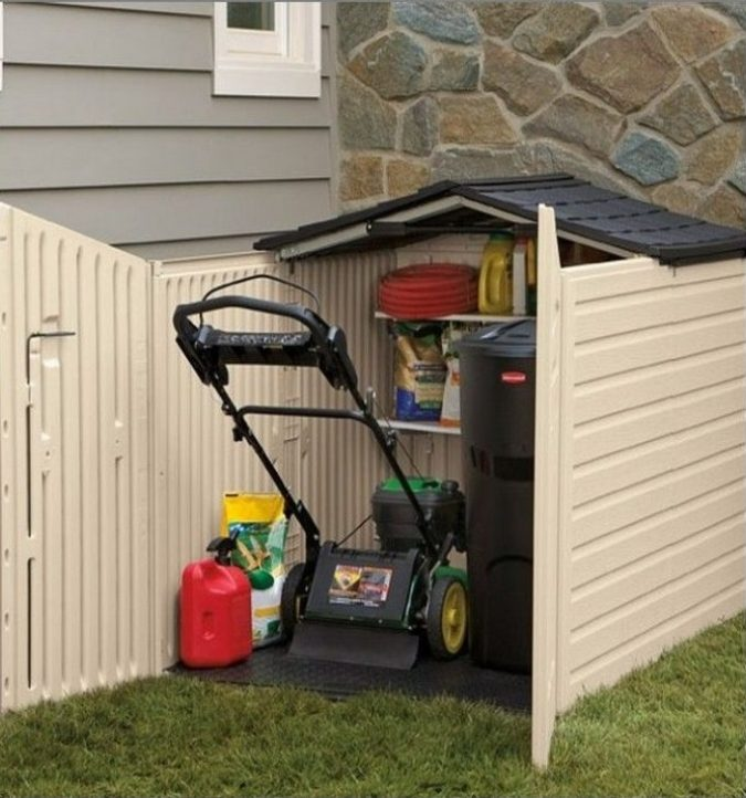 storing-lawnmower-675x722 Top 7 Tips for Storing Your Summer Items During Winter