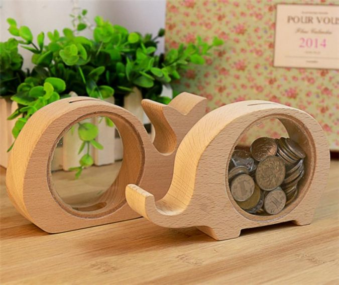 wooden-shapes-decorations-675x567 Using Wood to Decorate Your Home - Easy Tips and Tricks