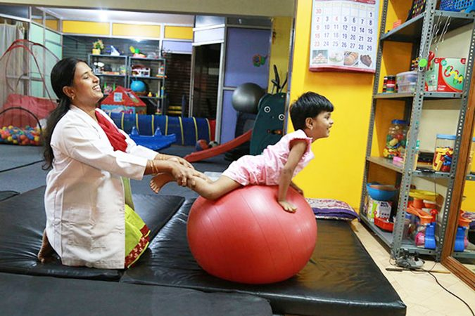 Cerebral-Palsy-physiotherapy-675x450 5 Important Things You Should Know As a Parent of a Child Suffering from Cerebral Palsy