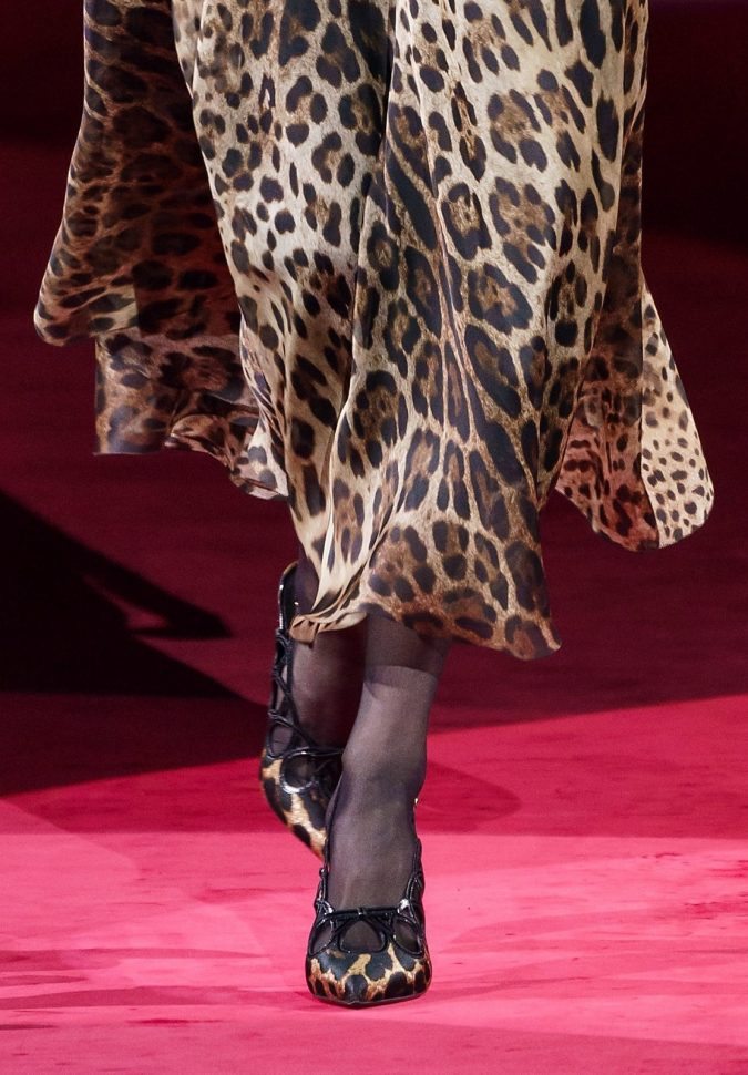 Fall-fashion-2019-animal-printed-bow-Dolce-Gabbana-2-1-675x970 Top 10 Winter Predictions and Trends for 2020