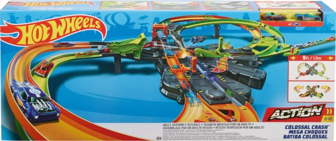 Hot-wheels-crash-colossal-track-set.-675x285 Top 25 Most Trendy Christmas Toys for Children in 2020