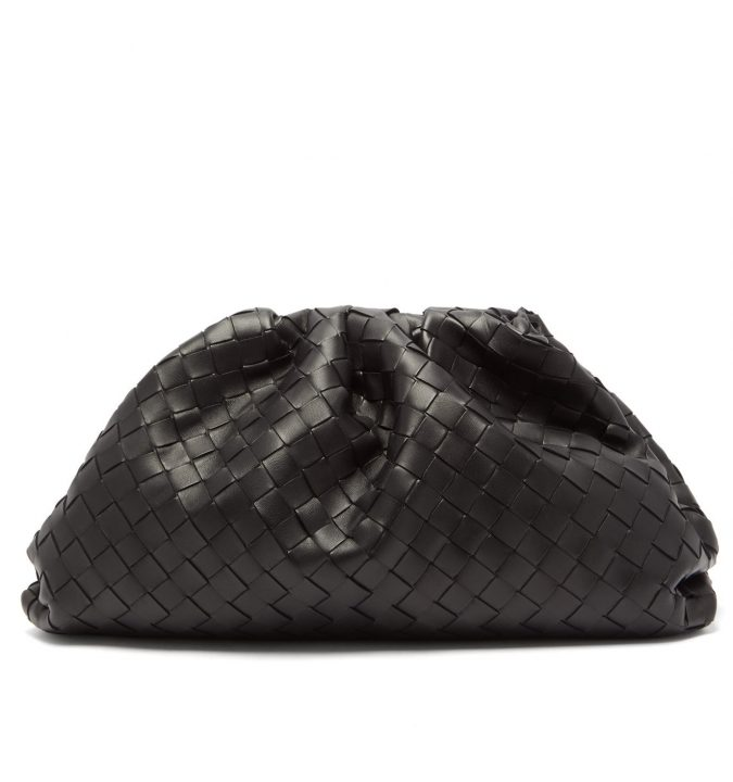 Pouch-Intrecciato-Leather-Clutch-Bottega-Veneta-675x720 65+ Hottest Fall and Winter Accessories Fashion Trends in 2020