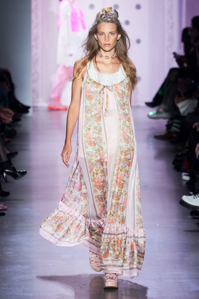 Spring-summer-fashion-2020-floral-dress-Anna-Sui-2-675x1013 120+ Lovely Floral Outfit Ideas and Trends for All Seasons 2020