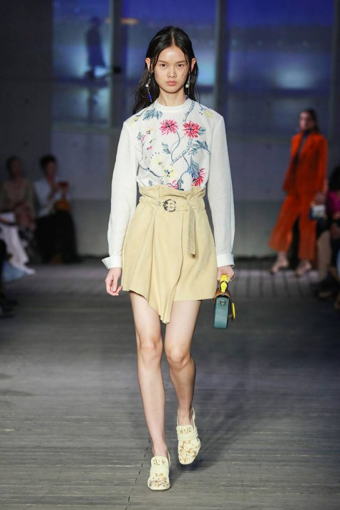 Spring-summer-resort-2020-floral-shirt-chloe-675x1013 120+ Lovely Floral Outfit Ideas and Trends for All Seasons 2020
