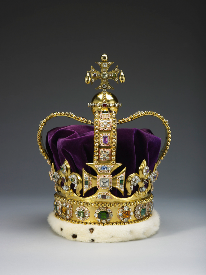 United-Kingdom—St.-Edward's-Crown-675x899 The 5 Most Expensive Crown Jewels in the World