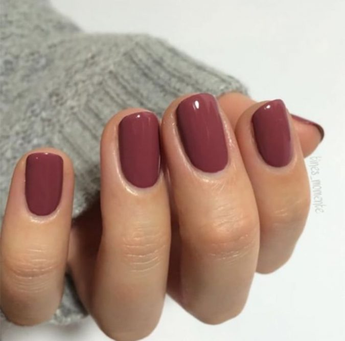 earthy-brown-hort-nails-675x667 10 Lovely Nail Polish Trends for Next Fall & Winter