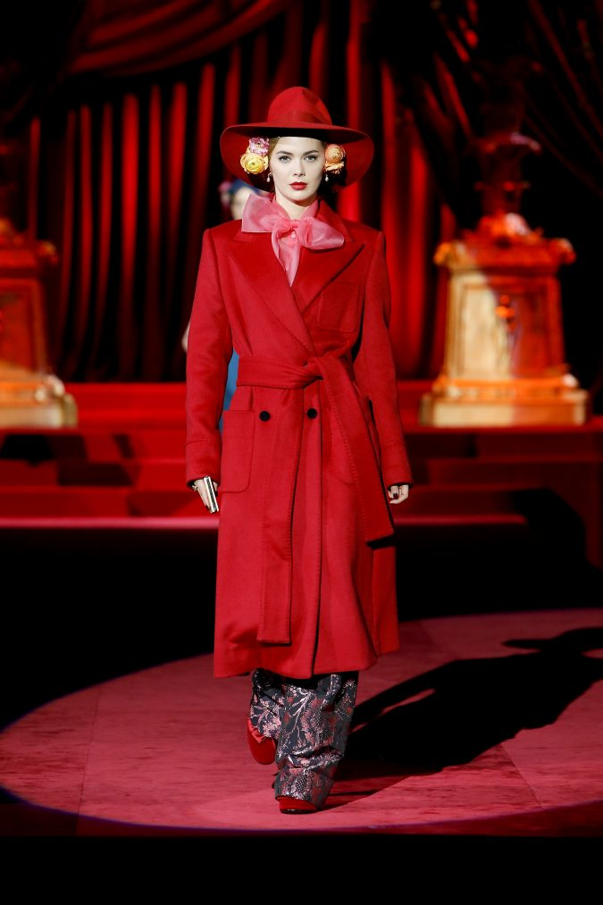 fall-winter-2020-coat-bow-Dolce-and-Gabbana-675x1013 65+ Hottest Fall and Winter Accessories Fashion Trends in 2020