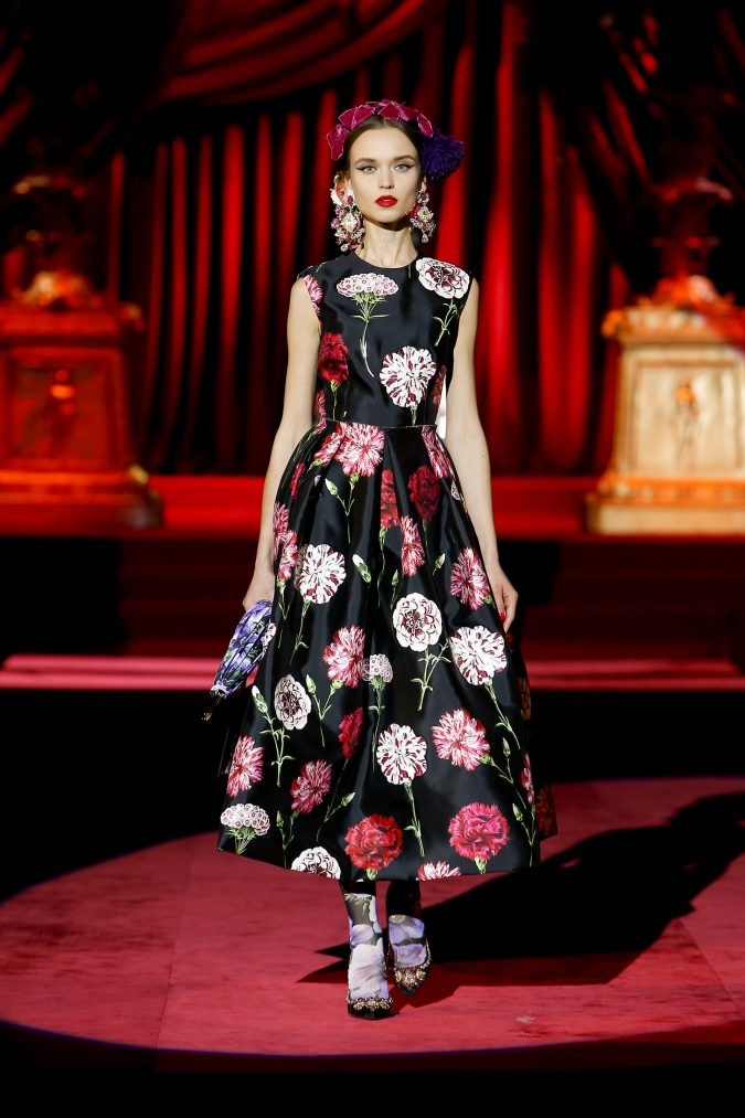 fall-winter-2020-floral-dress-accessories-Dolce-and-Gabbana-675x1013 65+ Hottest Fall and Winter Accessories Fashion Trends in 2020