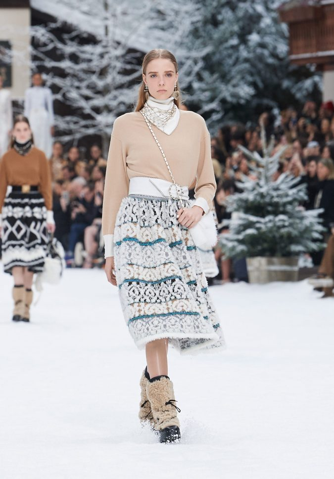 fall-winter-accessories-2020-boots-Chanel-675x968 40+ Hottest Teenage Girls Fall/Winter Fashion Ideas in 2020